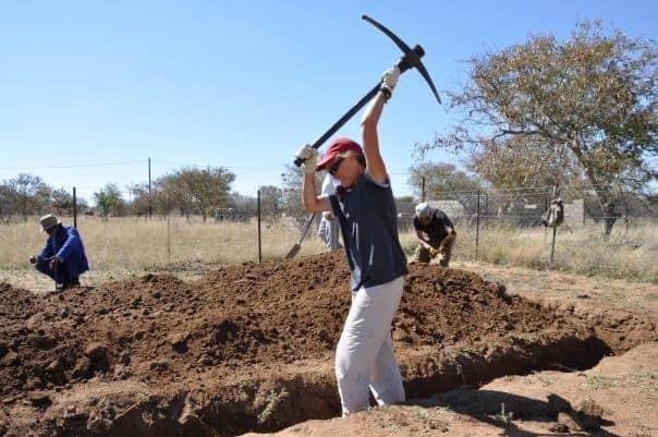 saparea fundatiei cu tarnacopul