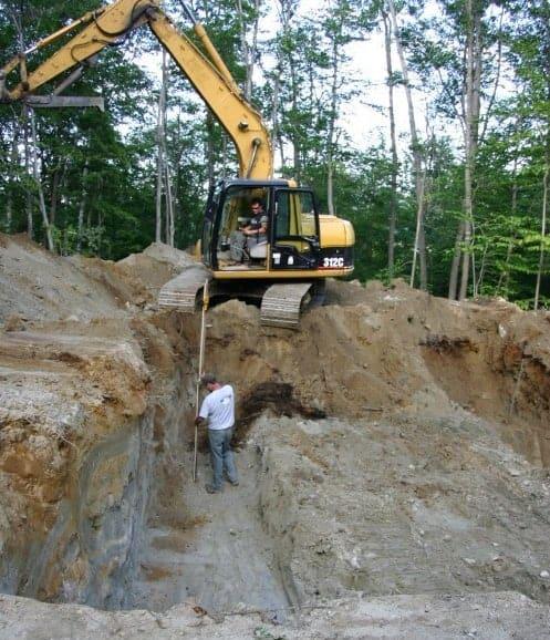 Saparea fundatiei cu buldoexcavator