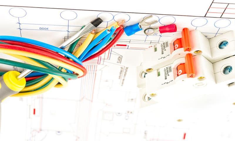 trasarea instalatiei electrice conform proiect