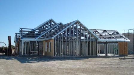 casa din structura metalica profile metalice