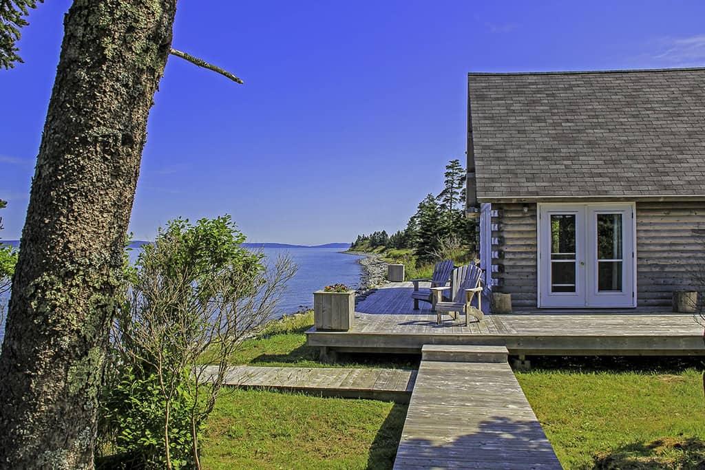 cabana lemn la mare