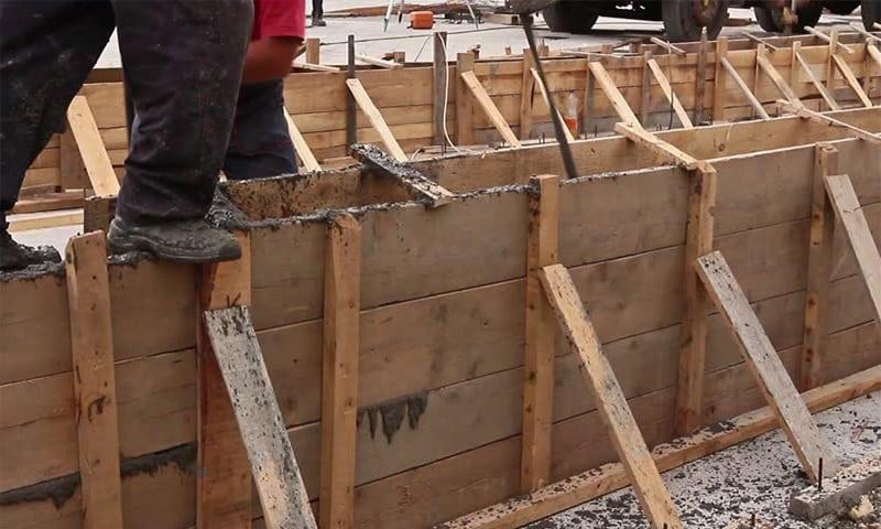 cofraje din scandura pentru fundatii