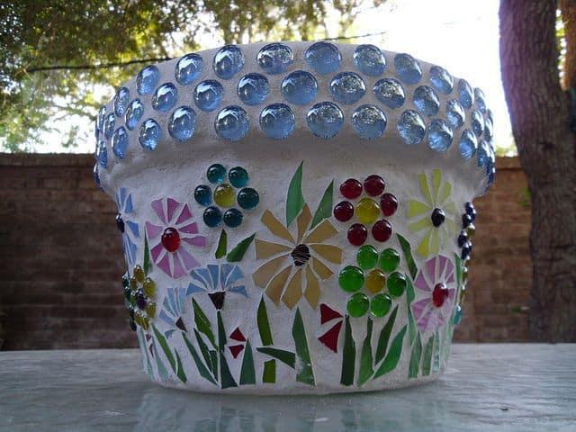 cum sa decoram ghivecele de flori 15