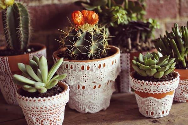 cum sa decoram ghivecele de flori 2