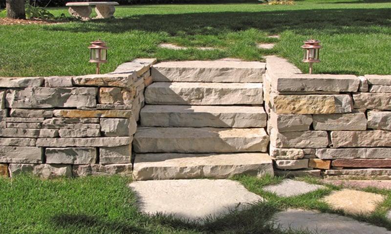Zidarie de piatra cioplita