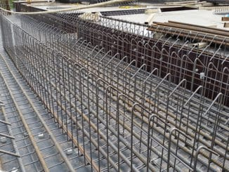 Cat beton intra la o fundatie de 100 mp