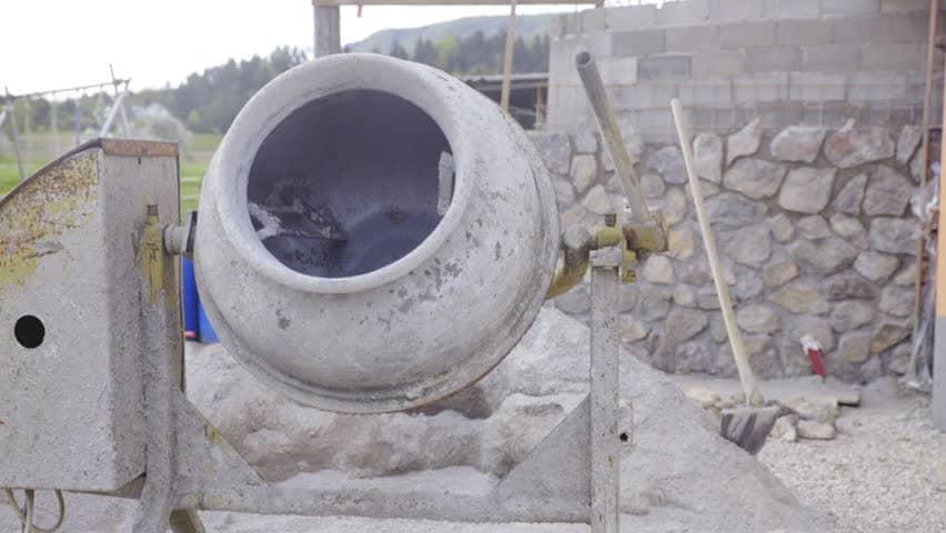 betoniera in santier constructii