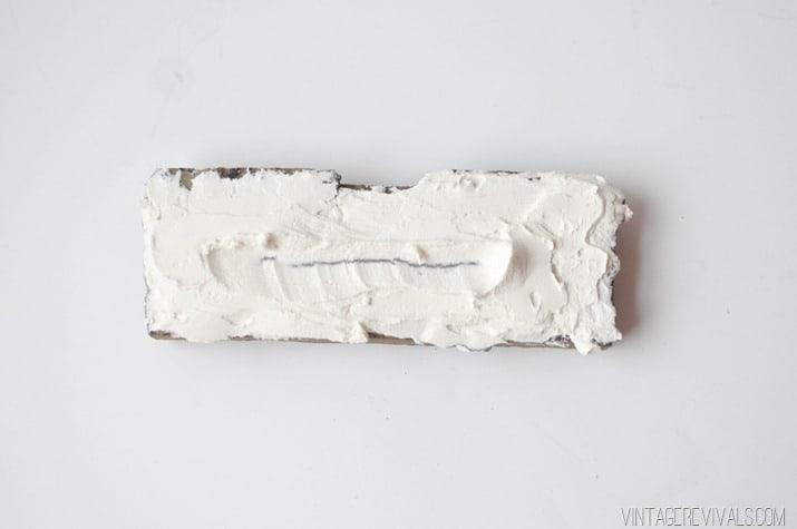 caramida aparenta cu adeziv alb