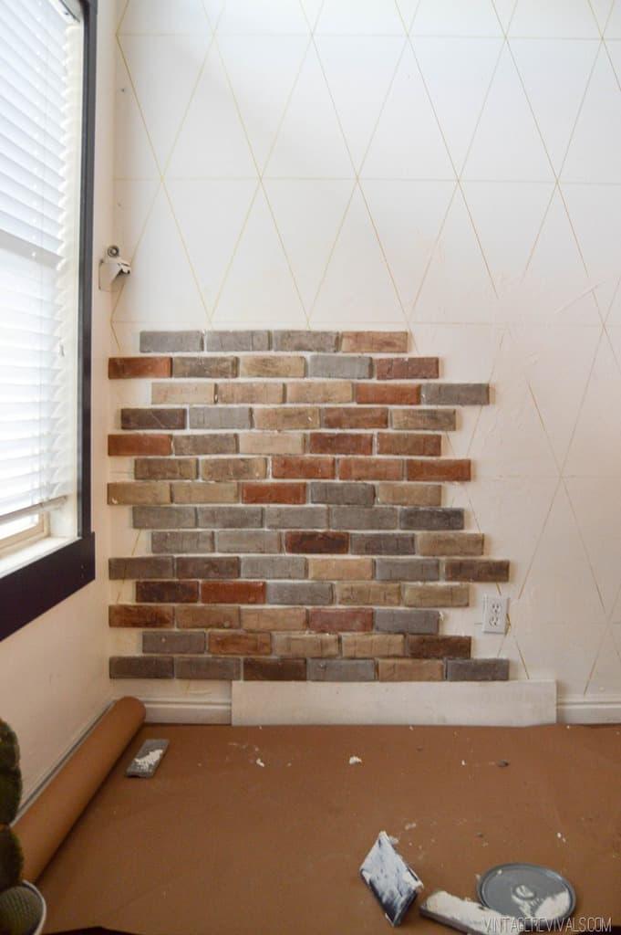 lipire caramida aparenta pe perete