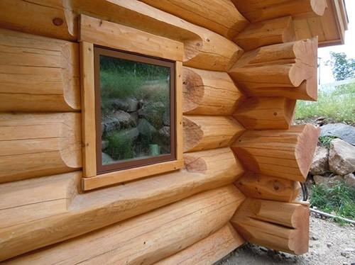 fereastra casa din lemn masiv