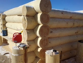 case din busteni din lemn masiv