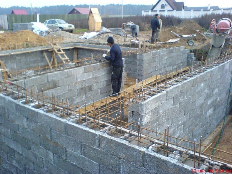 subsol casa din boltari de beton