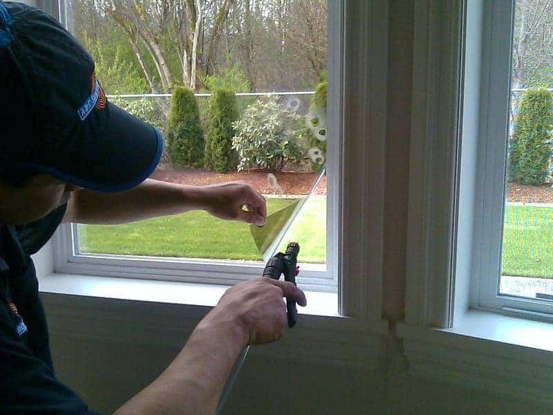 instalare folie geam termopan