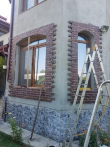 panouri decorative caramida montate la geam