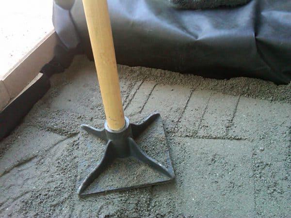 mai de mana pentru pavele si nisip