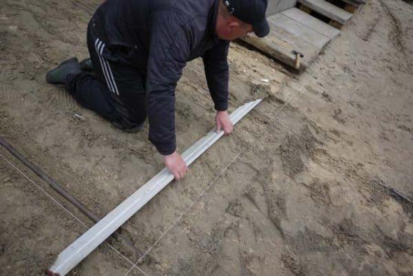 nivelare pat nisip pentru pavele