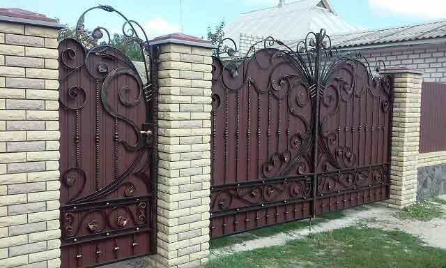 gard din tabla si fier forjat