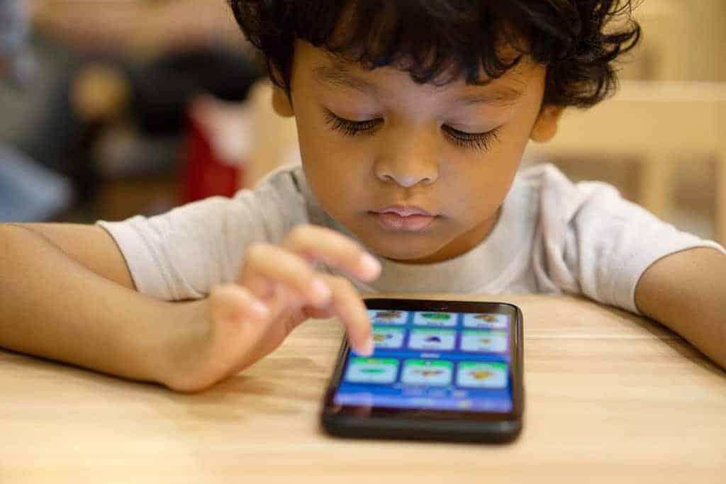 nu dati copiilor telefoane