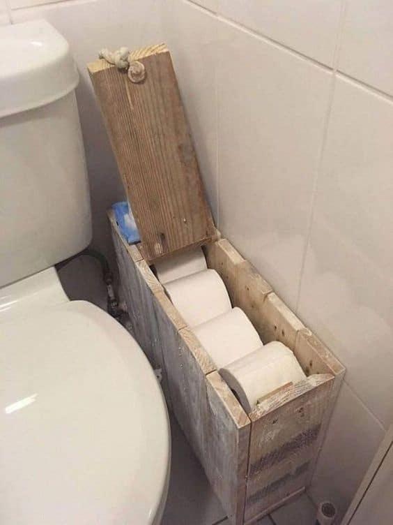 suport hartie igienica din lemn