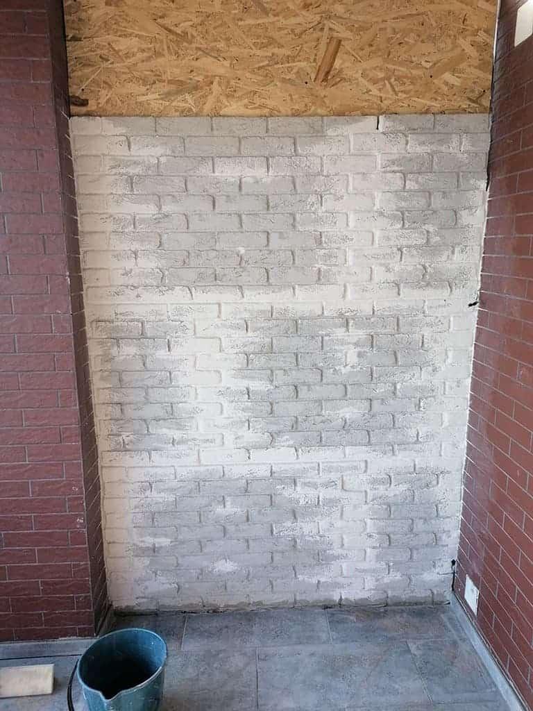 7 finisare perete cu panouri decorative tip caramida