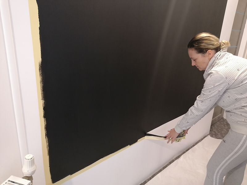 dezlipire manda mascare de pe perete