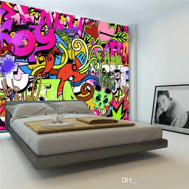 graffiti pe perete dormitor
